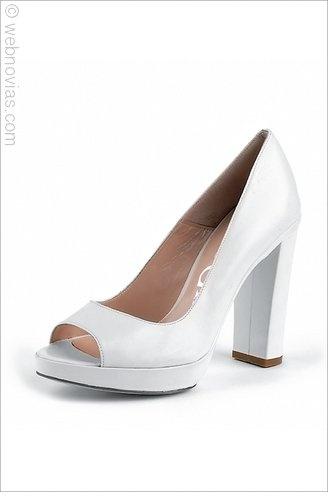 Zapatos de novia de Paco Gil.