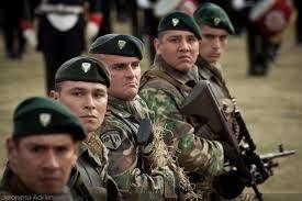 19 DE SEPTIEMBRE 2001 058 – Unos 42.000 soldados de las fuerzas aerotransportadas, curtidos en la Guerra del Golfo Pérsico, y comandos de élite, como los SEAL, Delta Force o Boinas Verdes, están preparados para intervenir en la guerra que EEUU ha declarado al terrorismo.