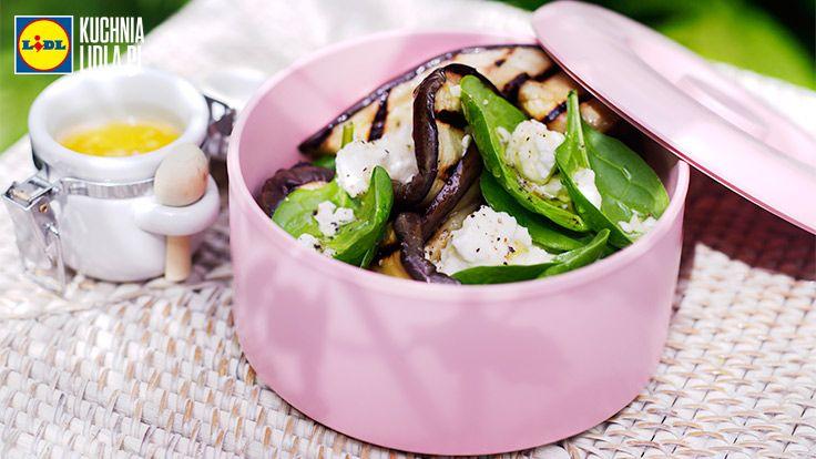 Sałatka z bakłażanem, szpinakiem i serem feta. Kuchnia Lidla - Lidl Polska. #kuchniagrecka #baklazan