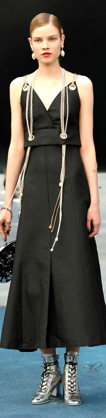 Seriously, if you've got the attitude for it, how can you NOT love this??? : Chanel 2015