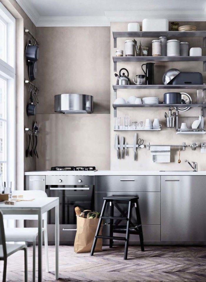 Matcha dina rostfria vitvaror med rostfria paneler och hyllor. Kök från IKEA
