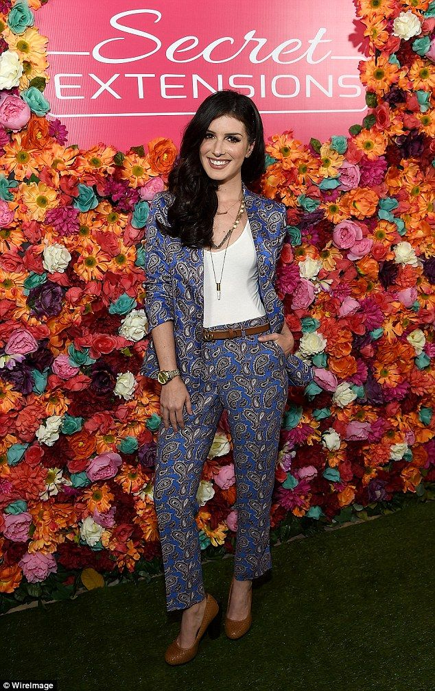 Shenae Grimes rocks paisley suit as she shows off new longer locks #dailymail