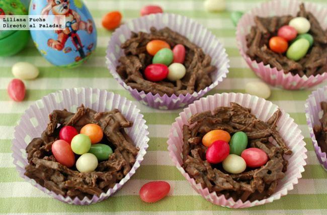 Receta de nidos de Pascua crujientes de chocolate. Con fotografías del paso a paso y consejos para su elaboración. Recetas de Semana Santa....
