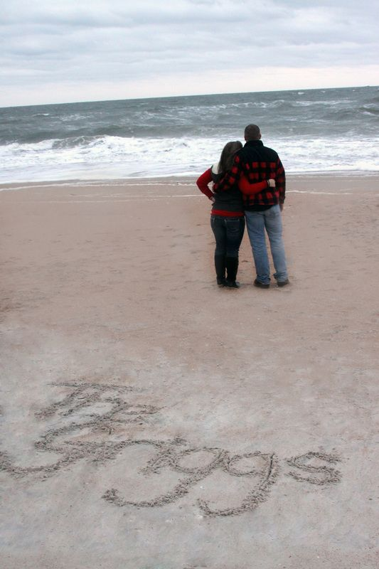 I love photos on the beach! I wish I would have thought of this when we were in Pensacola! - KBR Kreations Photography