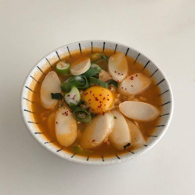 나머지 유부는 흰 밥에 스팸마냥 얹어먹기 후하 세상에서 제일 귀찮은 음식이야 뿍이 도시락은 예쁜 집에서 사와야지 유부초밥 요리 음식 쉬운 요리