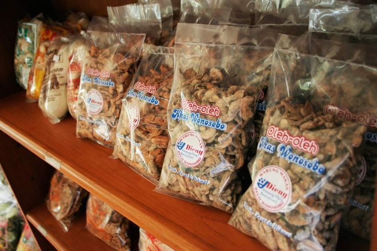 Various snacks and crackers, authentically Javanese, are available at some of Wonosobo's souvenirs shops.