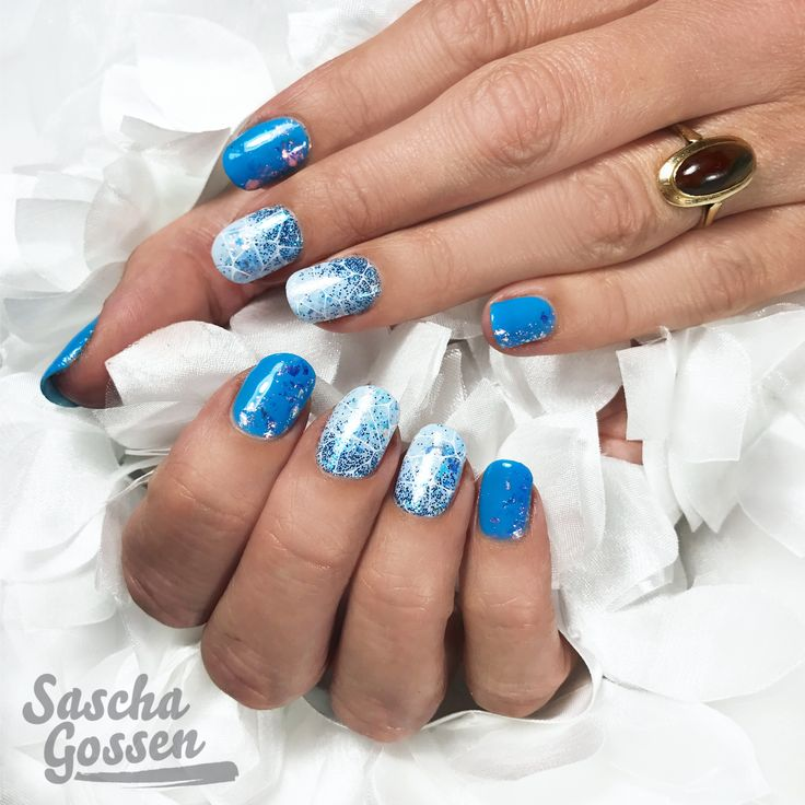 Blue Monday... Natural nails with CND™ SHELLAC™ Digi-Teal, Creekside, LoveNess Magic Flakes and the :YOURS loves SASCHA plate. #stampingplate #stamping #stampingnailart #CND #cndshellac #cndworld #cndnederland #SHELLAC #nails #nailart #nailpro #nailswag #instanails #inspiration #nailtech #nailstagram #nails2inspire #yourscosmetics #yourslovessascha #sascha #saschagossen  #glitter #loveness #passionfornails