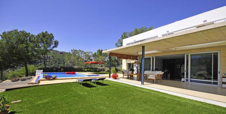 Villa huren vanaf 1700 tot 2000 per week + bijkomende kosten. (juni - juli - augustus - sept)