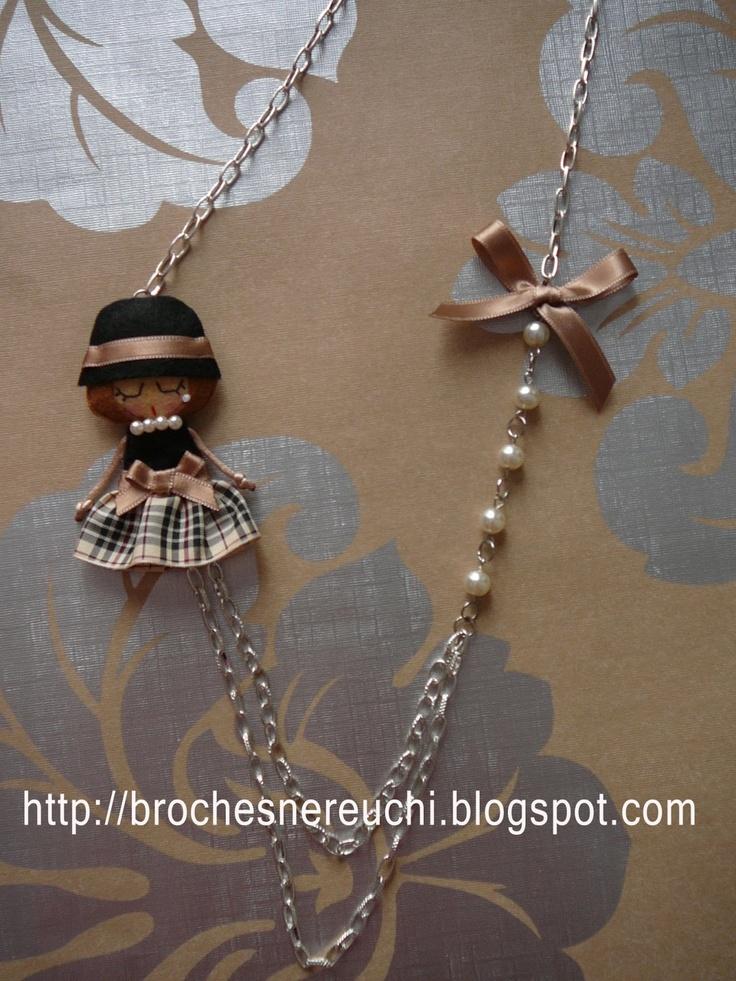 BROCHES NEREUCHI: colgantes muñecas