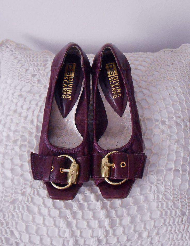 Sapato aberto na frente, cor vinho, em couro legítimo. Bastanteconfortável, macio, possui salto baixo que não cansa os pés. Acredito que não exista mais outro igual a este!  TIPO: BRECHÓ. Foi ma…