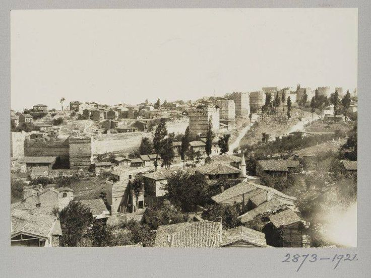 Eyüp Defterdar ve Eğrikapı Surları /1921 http://ift.tt/2cHTrNG