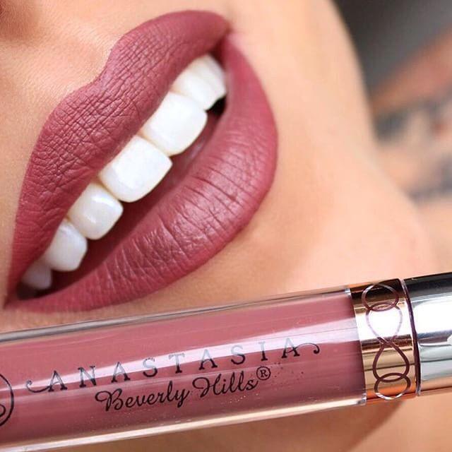 """Veronica"" liquid lipstick @jennivae  #anastasiabeverlyhills #liquidlipstick"