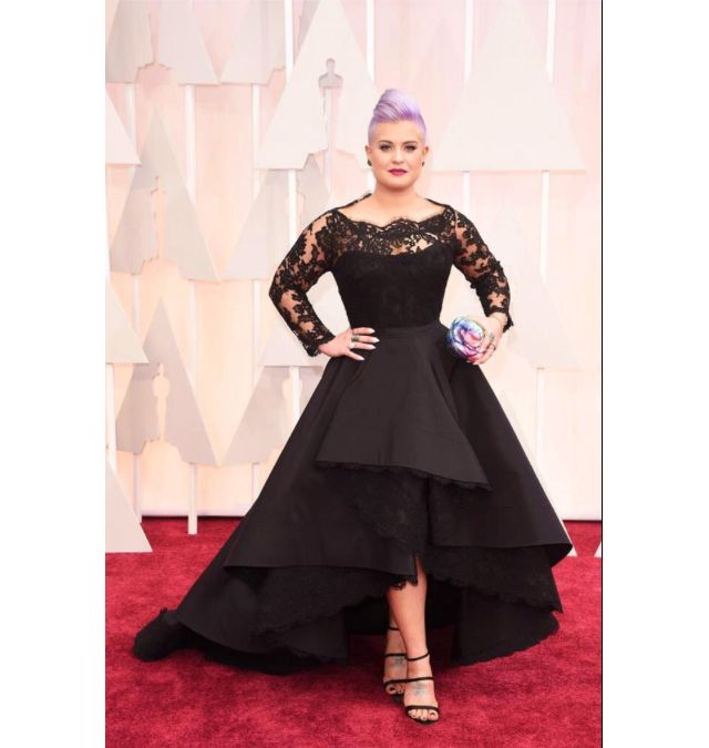 Fabulous Curvy Celebrities on the 2015 Oscar Red Carpet: Kelly Osbourne on the 2015 Oscar Red Carpet