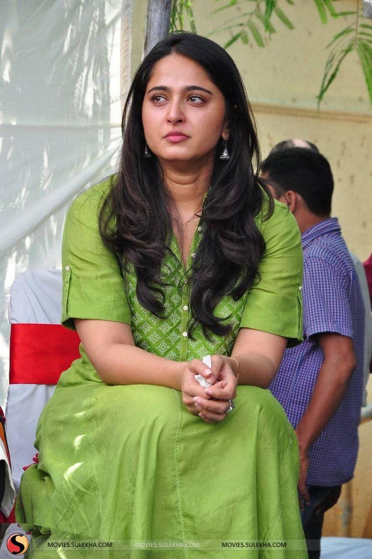 Anushka Shetty Latest hot Glamour photo Images From Rudrama Devi