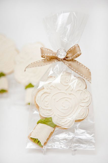Flowers For Bridal Shower Favors : Best images about decorated cookies on