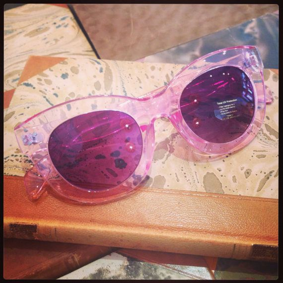 Retro sunglasses: 40's style model pink plastic and by FamousApe