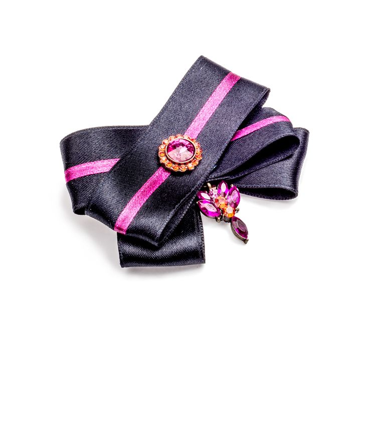 Little black brooch - a perfect accessory for any dress. By House of April