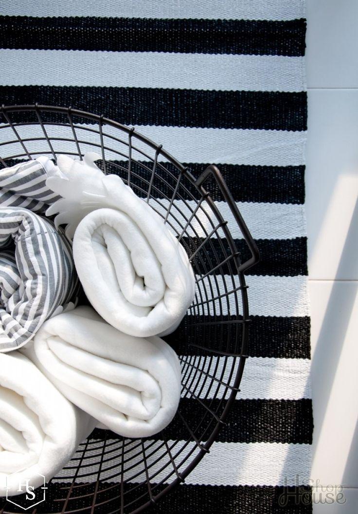 Dywan czarno-białe pasy 70x140cm House Shop