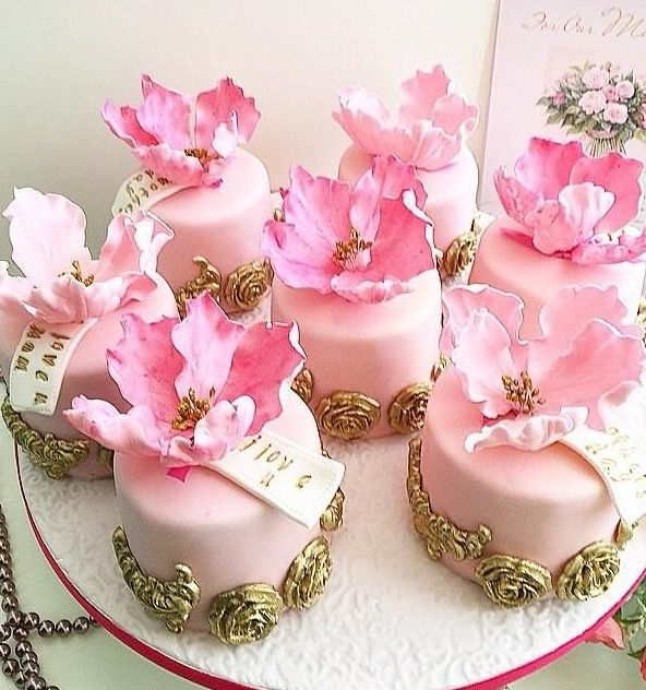 1000+ Ideas About Rose Cupcake On Pinterest