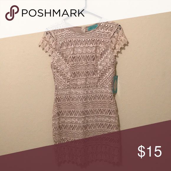 Filly Flair dress Zip back, champagne color. Tag says medium but it fits more like a small so I'm listing it as a small. filly flair Dresses Midi