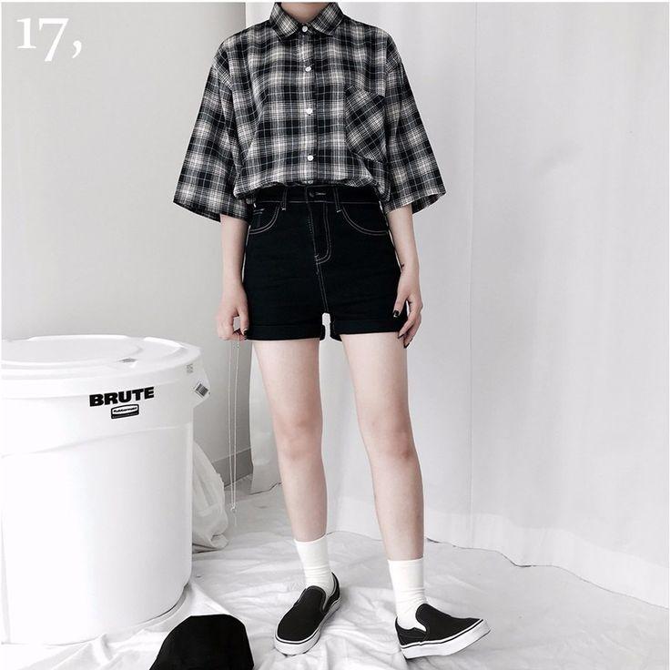 ステッチポイントロールアップショートデニムパンツ ロールアップがポイントのデニムショートパンツです。 配色のステッチがさりげなくオシャレ度をアップしてくれます↑ ショートな丈感と裾のロールアップディテールが脚をスリムに見せてくれます↑ モデルさんのようにカジュアルなシャツとマッチしても◎ #dejou #koreafashion #ootd #daliy #style #shopping #cute #selfie #nihon #日本 #ファッション #コーデ #韓国ファッション #今日のコーデ
