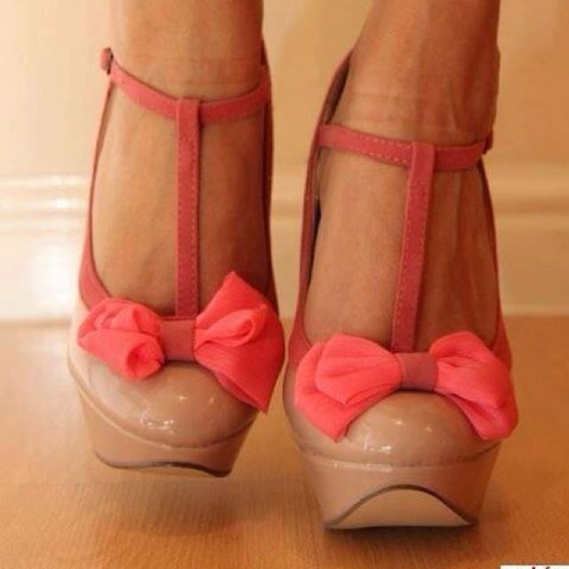 Love!: Nude Shoes, Coral, Fashion Shoes, Bows Heels, Closets, Pink Bows, Pump, Nude Heels, Bows Shoes