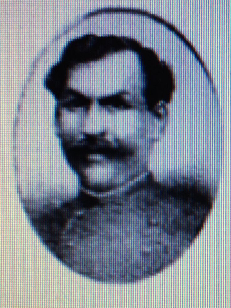 Ramón Rosa Vallejos Pereira, Capitán de la 3° compañía del Batallón Atacama N° 1, integrado a la unidad el 13 de mayo de 1879 a la edad de 34 años. combatió en Pisagua y Dolores en donde cae muerto. Fue uno de los integrantes de la Hermandad del Atacama. Está sepultado en la cripta a los héroes del Atacama en la Alameda de Copiapó, su ciudad natal.