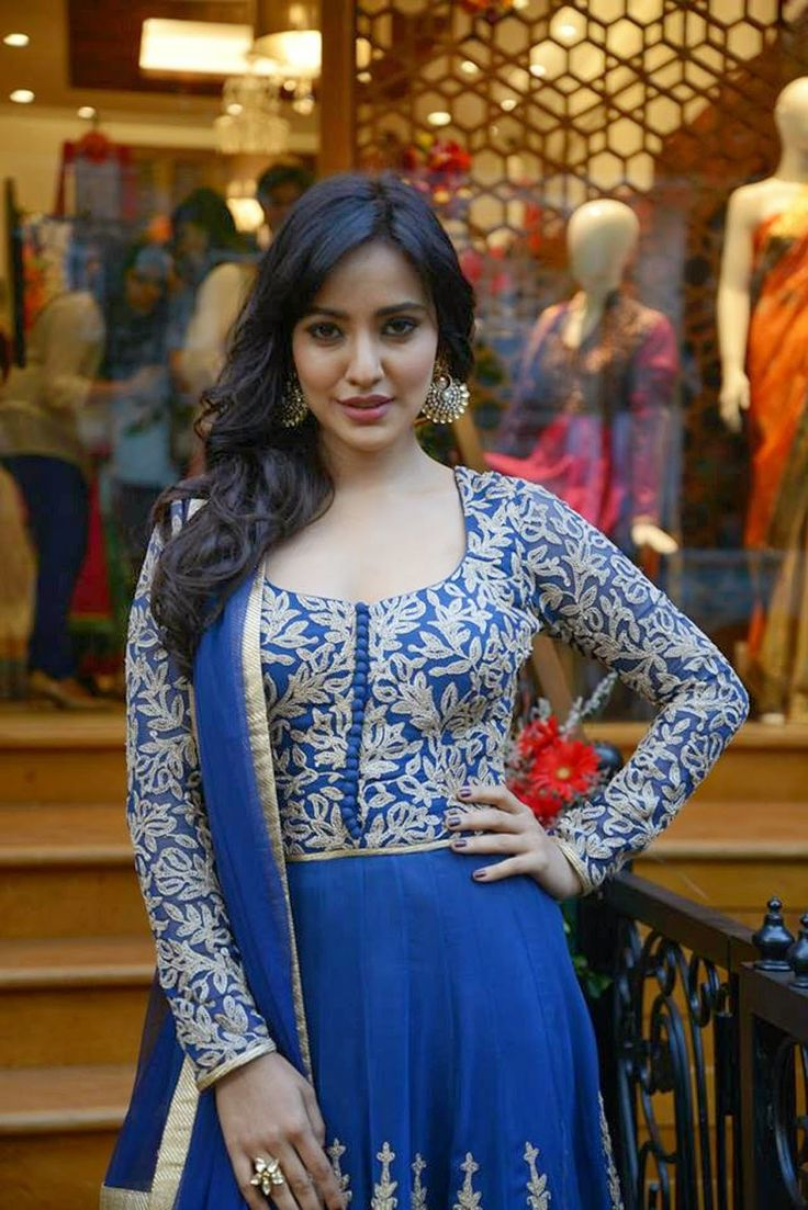 nice Actress Neha Sharma HD Wallpapers