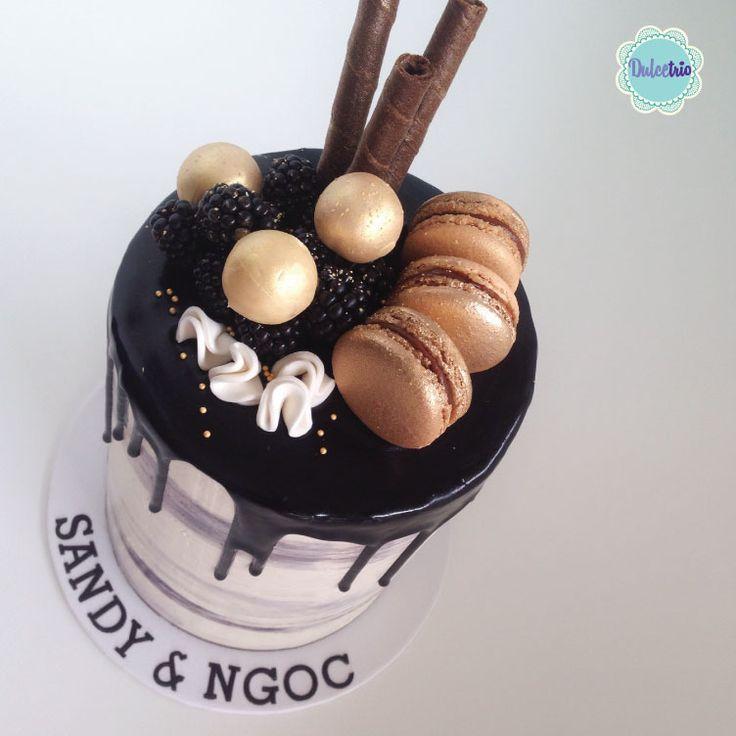 #black & #gold #nakedcake for a theme #party #sexycake #birthdaycake #adultcakes #beautifulcakes #deliciouscake #sydneycake #chocolatedripcake