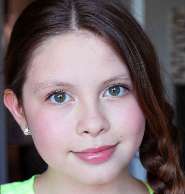 Age-appropriate tween makeup: there's my sweet girl.