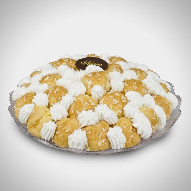 Tenerello - Il pan di Spagna, la crema pasticcera, i bignè ripieni e la panna montata: cosa chiedere di più da un dolce?
