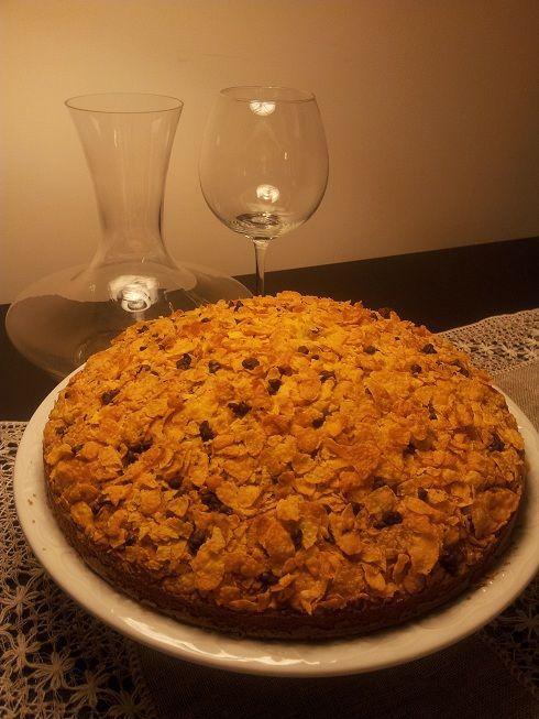 Che bella e croccante questa torta, ricoperta di cornflakes!!! Ed è anche ottima per una sana merenda!!! Ingredienti: 350g di farina senza glutine x dolci