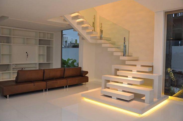 Escada estilo Santos Dumond