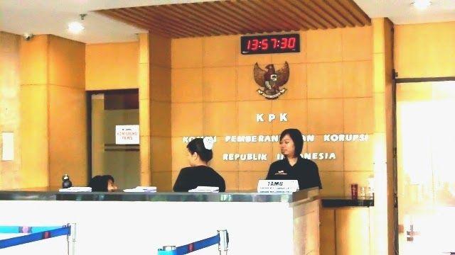 """The Royal Indonesia TV Online: Yunus : """"KPK  Diberikan Kewenangan Menyita Harta Atau Rekening Hasil Korupsi  Yunus : """"KPK juga diberikan kewenangan untuk menyita harta-harta atau rekening yang diduga diperoleh dari hasil korupsi,  Namun, bukan berarti semua yang disita KPK itu tidak bisa dikembalikan, jika bisa membuktikan kekayaan itu bukan berasal dari korupsi, bisa dikembalikan."""""""