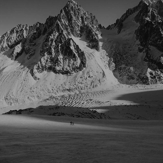Ski Breezy (@skibreezychamonix) • Instagram photos and videos