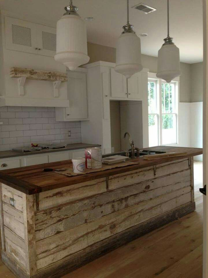 17 Great Kitchen Island Ideas Photos And Galleries Satria Baja Hitam Rustic Farmhouse Kitchen Rustic Kitchen Island Rustic Kitchen