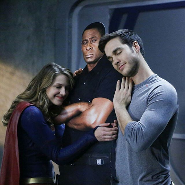 #Repost @supergirlcw  There's room for every hero on #Supergirl. Watch the latest episode now, available on The CW App! Click the link in the bio.