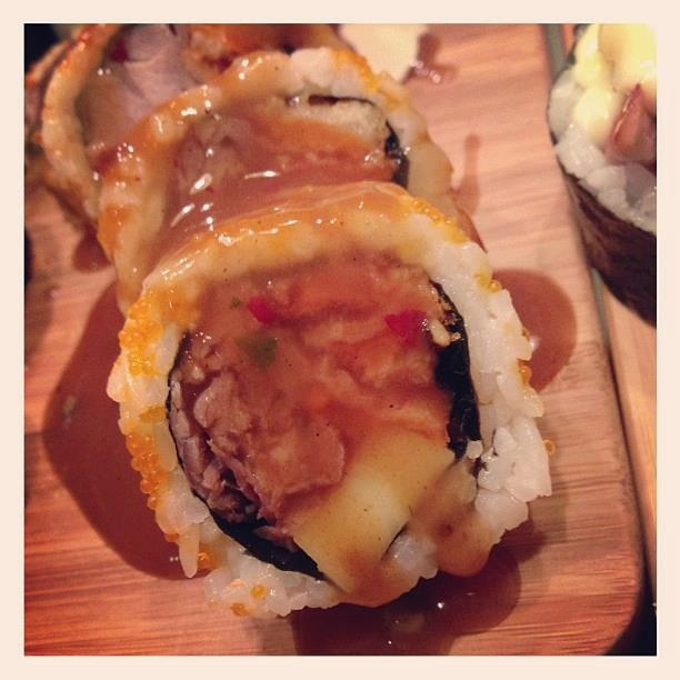 Le makipoutine de Sushi à la maison   http://video.fr.ca.msn.com/watch/video/sushis-a-la-maison-la-maki-poutine/2r4cjxy3k?cpkey=f28a99fe-4fdc-4f00-8795-e82b89fb3f2a%257c%257c%257c%257c