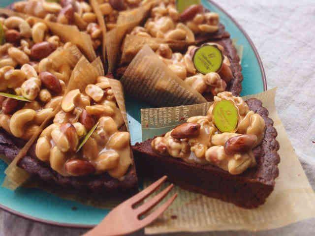 とろ〜り!キャラメルナッツのチョコタルトの画像