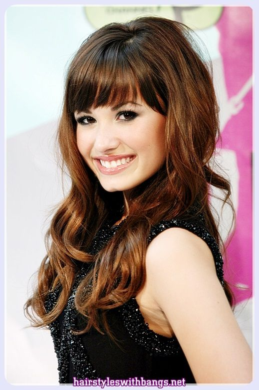 2018 Women Hairstyles for Medium Hair with Bangs and Layers