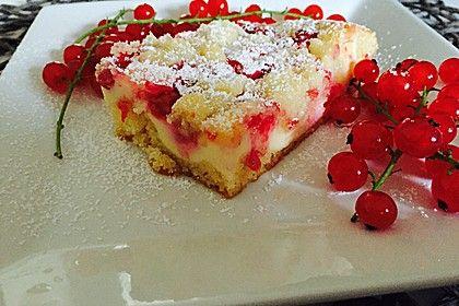 Rhabarberkuchen mit Quarkcreme und Streuseln