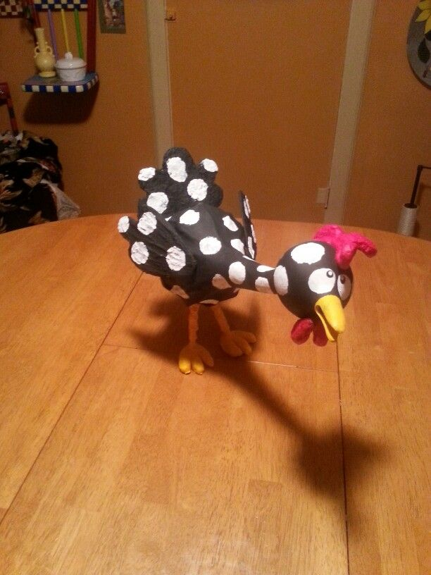 Chicken made out of gourds