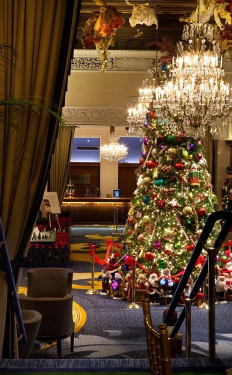 The drake hotel in chicago at christmas winter christmas for Drake hotel decor