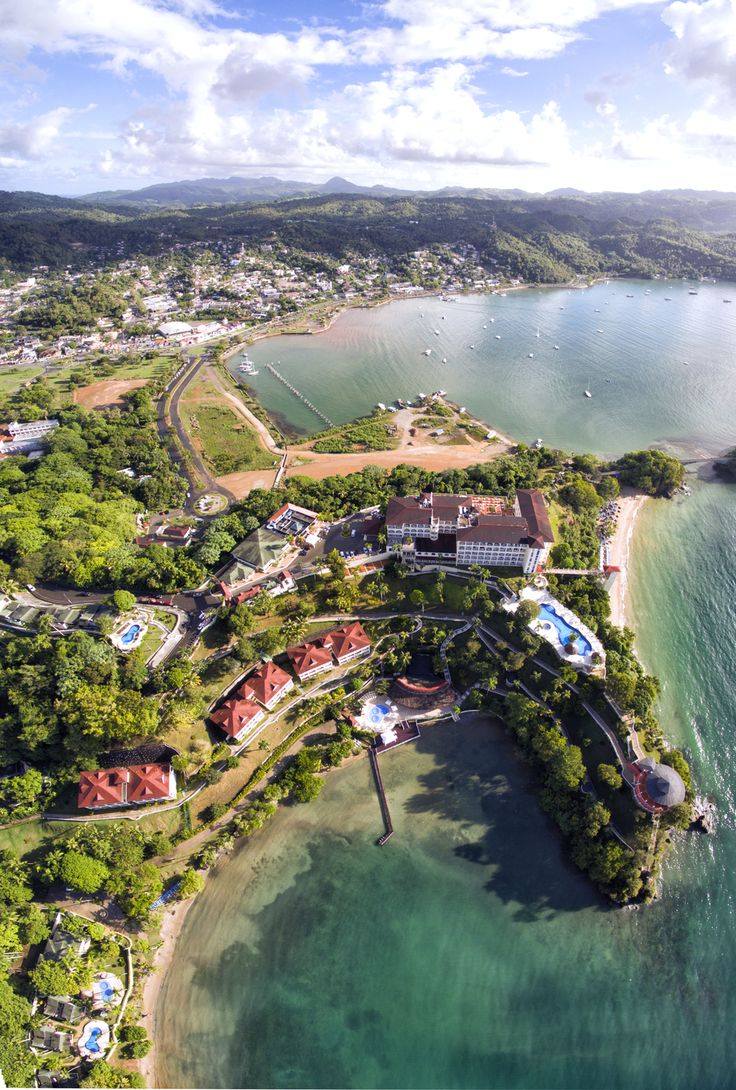Situated on a cliff, most rooms have stunning views of the Samana Bay.