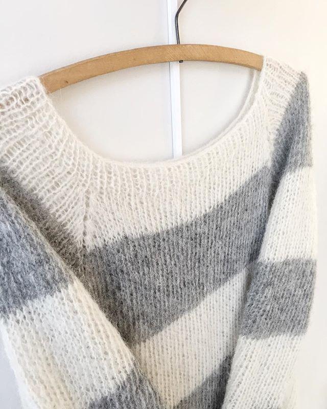 Acne-genseren #strikkedilla #strikking #iloveknitting #følgstrikkere #knitinspo #strikk #strikke #strik #knit #knitting #knitwear #egostrikk #acnegenser #faerytale