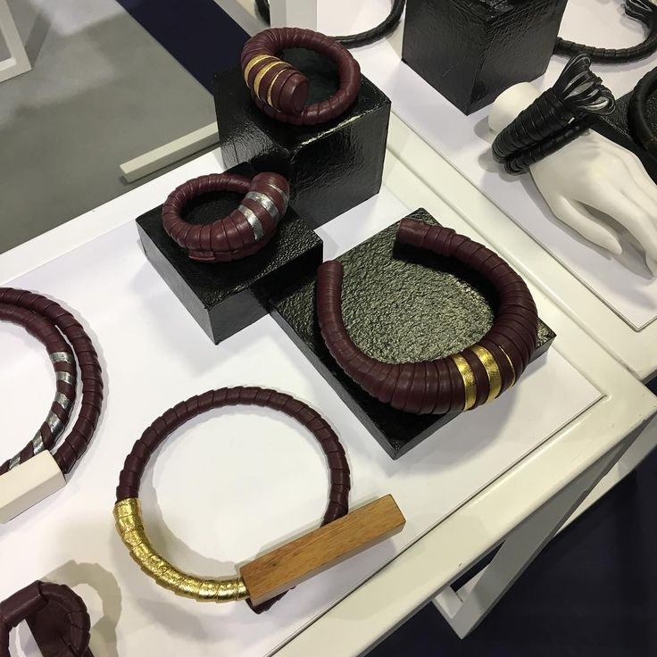 Last Day at Premiere Classe - Porte de Versailles in Paris! Come to visit the New collection TALISMANO of the #contemporaryjewellery  @amcardillo_design  at Hall 3 booth 939 @premiereclasseparis #premiereclasse #whosnextparis #leatherjewellery #wood #handmade #madeinitaly #ss17collection #parisdesignweek #artsandcrafts #artisan #conceptstores #redwineandgoldleather