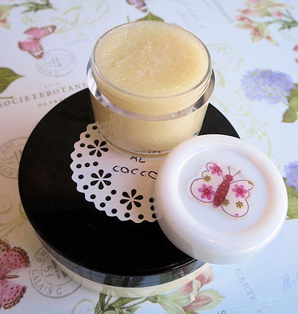 Scrub labbra al cocco fai da te - EdenStyleMagazine.it - Cosmetici fai da te e creatività