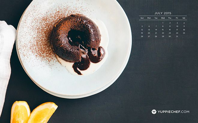 Melted fondant for your screen: July's free wallpaper