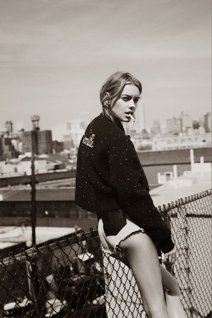 camille-rowe-pictures2.jpg 800×1,200픽셀