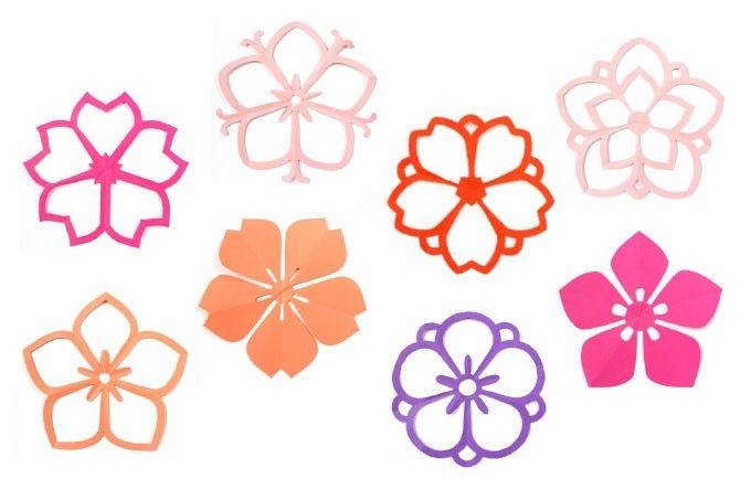 Monkiri ist die traditionelle japanische Kunst des Papierfaltschnittes. Die Form der fünfblättrigen Kirschblüte sieht zwar kompliziert aus, lässt sich aber sehr leicht ausschneiden. Der eigentliche Trick der Monkiri-Formen liegt in der raffinierten Papierfaltung - das eigentliche anschließende Ausschneiden ist ein Kinderspiel.